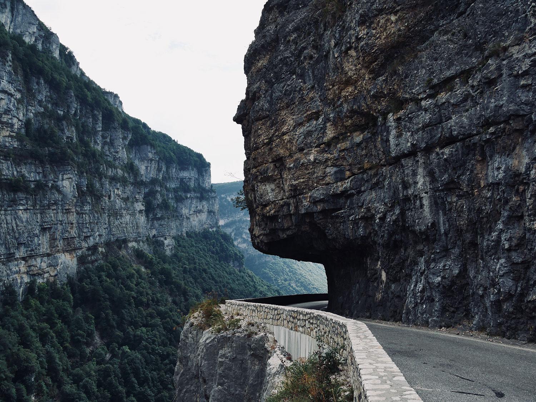 Conseils photo paysage : lignes de fuite route.