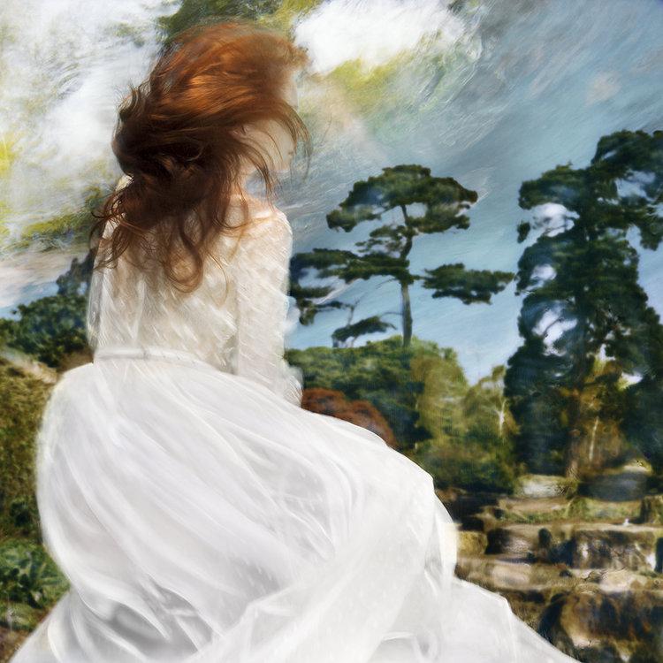 Photo de Barbara Cole, extrait de la série Falling through time