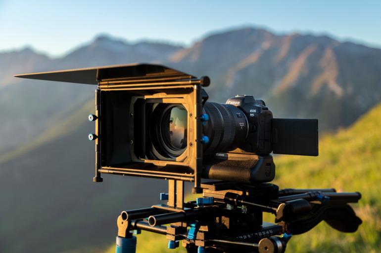 L'EOS R5 est une vraie caméra 8K professionnelle