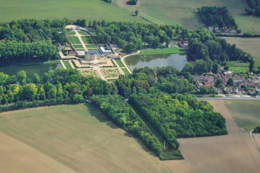 Chateau de Villette (vu dans les chevaliers du ciel) (F. Marsaly)