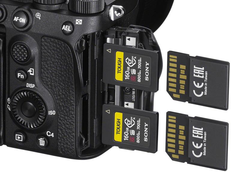 Le Sony A7S III accepte des cartes CFexpress type A ou SD