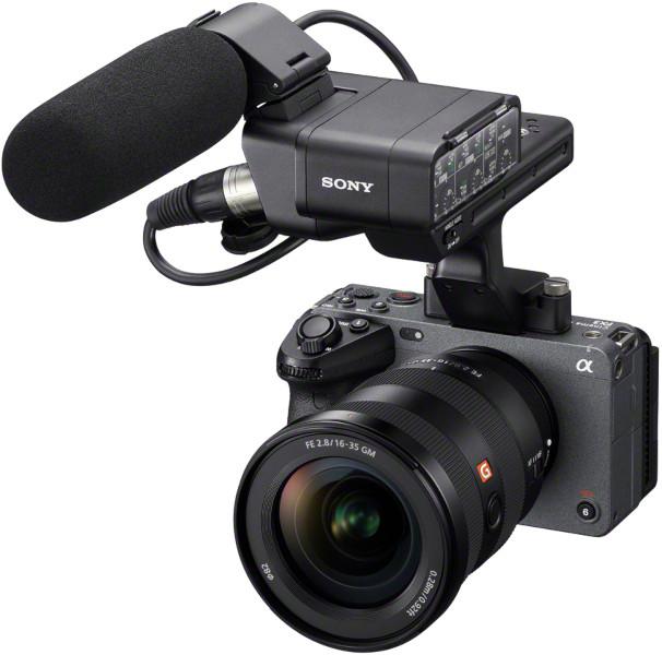 Sony FX3 avec poignée fournie et micro optionnel