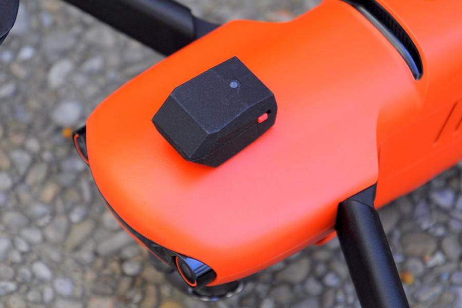 Une balise de signalement électronique Beacon Standard V2 de Dronavia