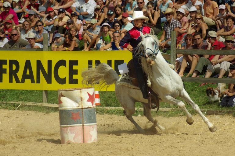 Équitation : barrel racing
