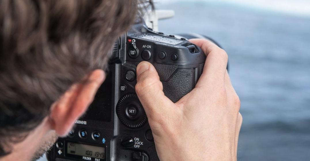 Canon EOS 1Dx Mark III : ergonomie.