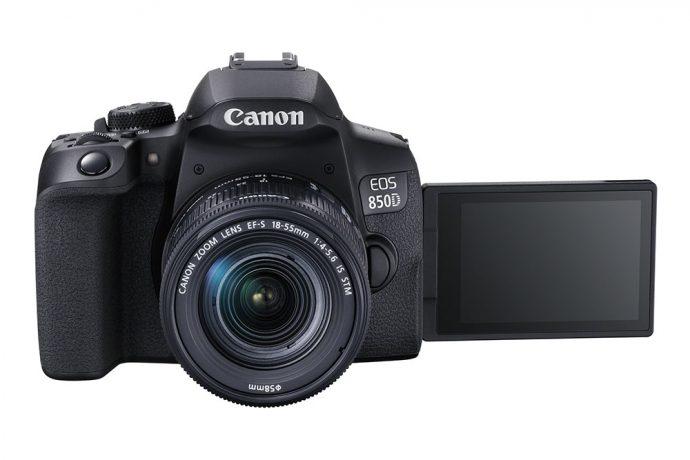Canon EOS 850D : écran orientable.