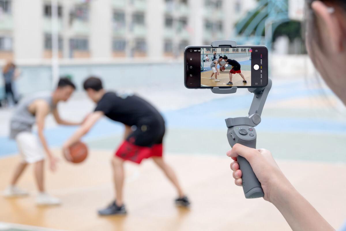 DJI Osmo Mobile 3 : action.