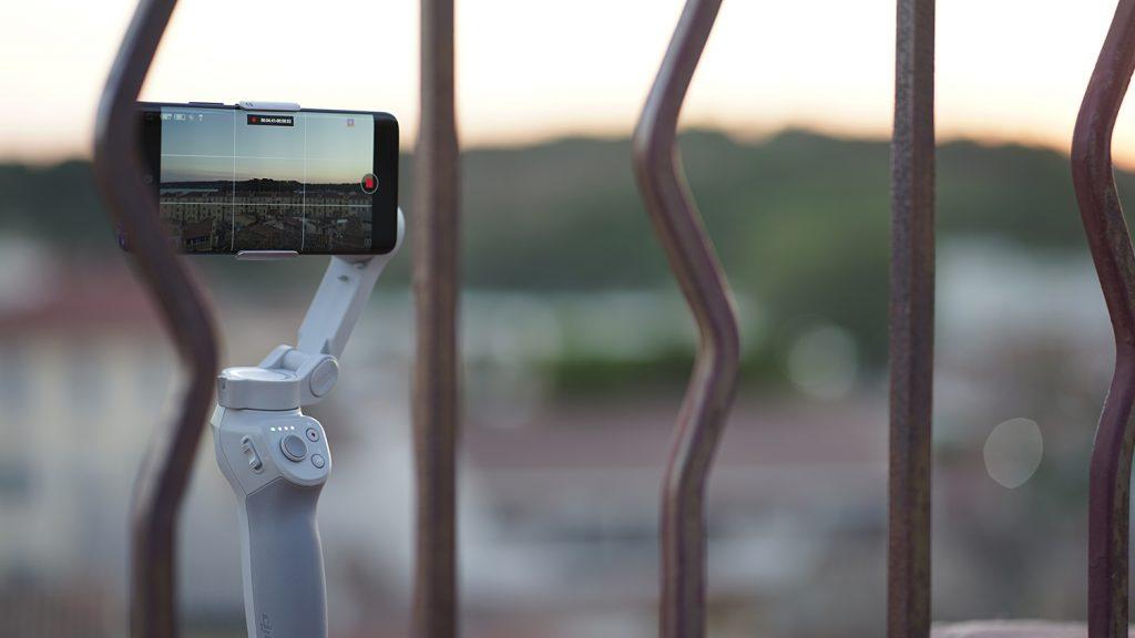 Le DJI Osmo Mobile 4 en timelapse sur un lever de soleil