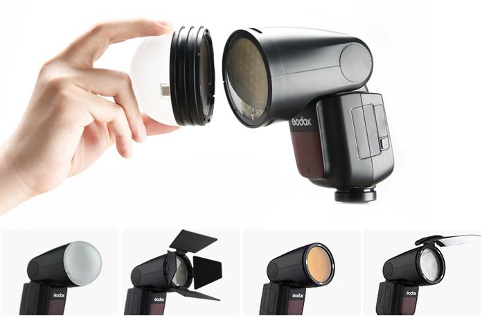 Fixation d'accessoires sur le flash cobra de studio Godox V1