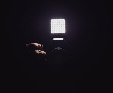 illustration d'un appareil photo avec torche led