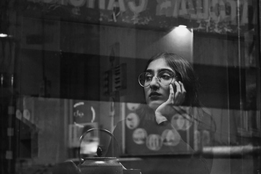 Portrait en noir et blanc par Nilay Sozbir