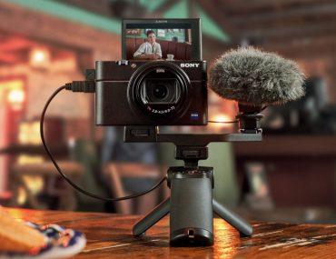 Sony RX100 VII avec micro et écran selfie